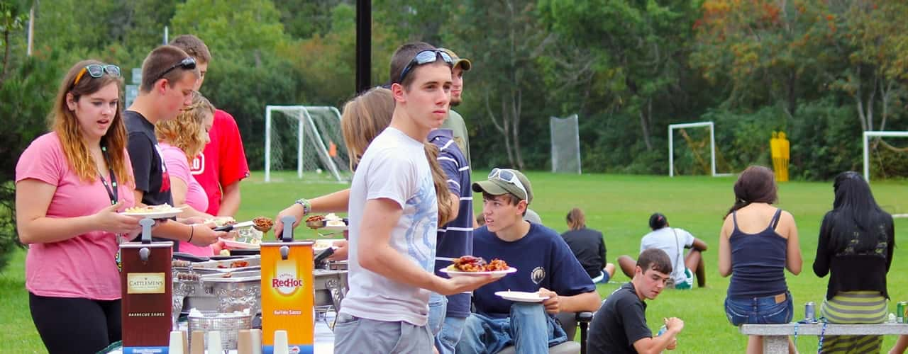 Students attending a picnic during student orientation